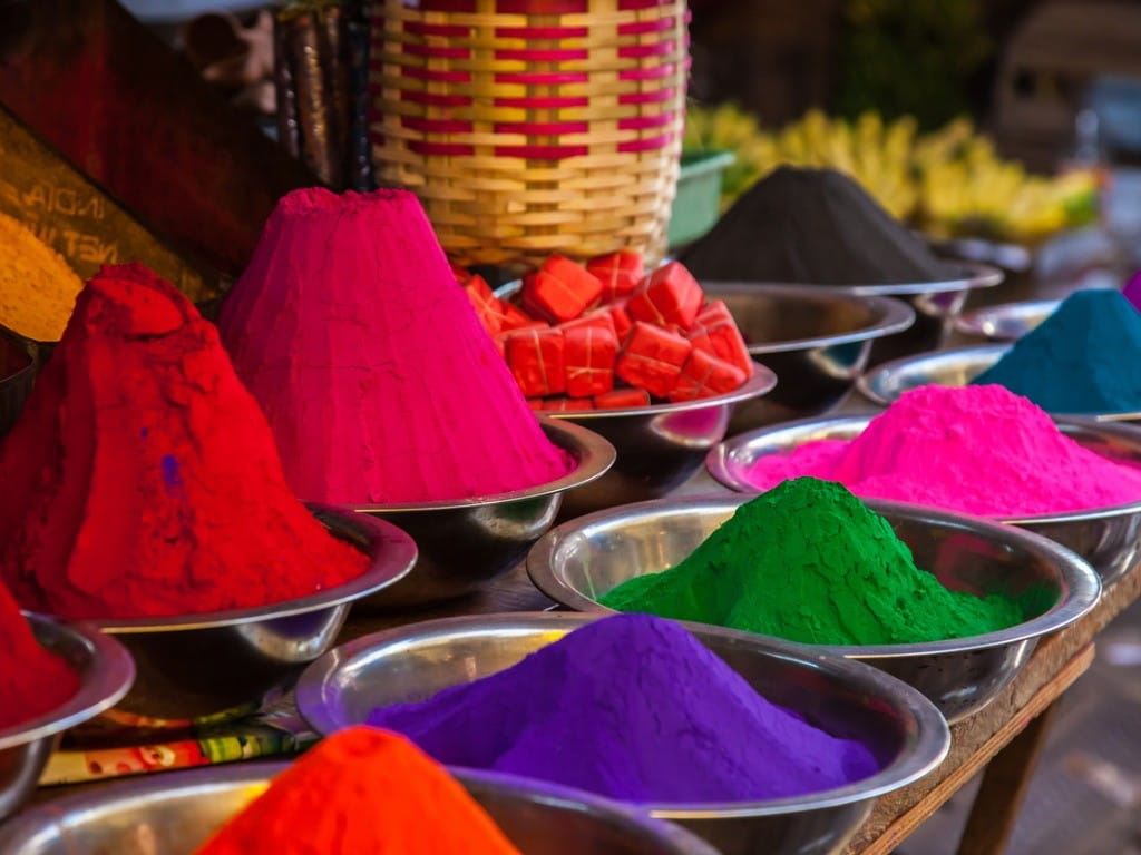 indian holi colors at market